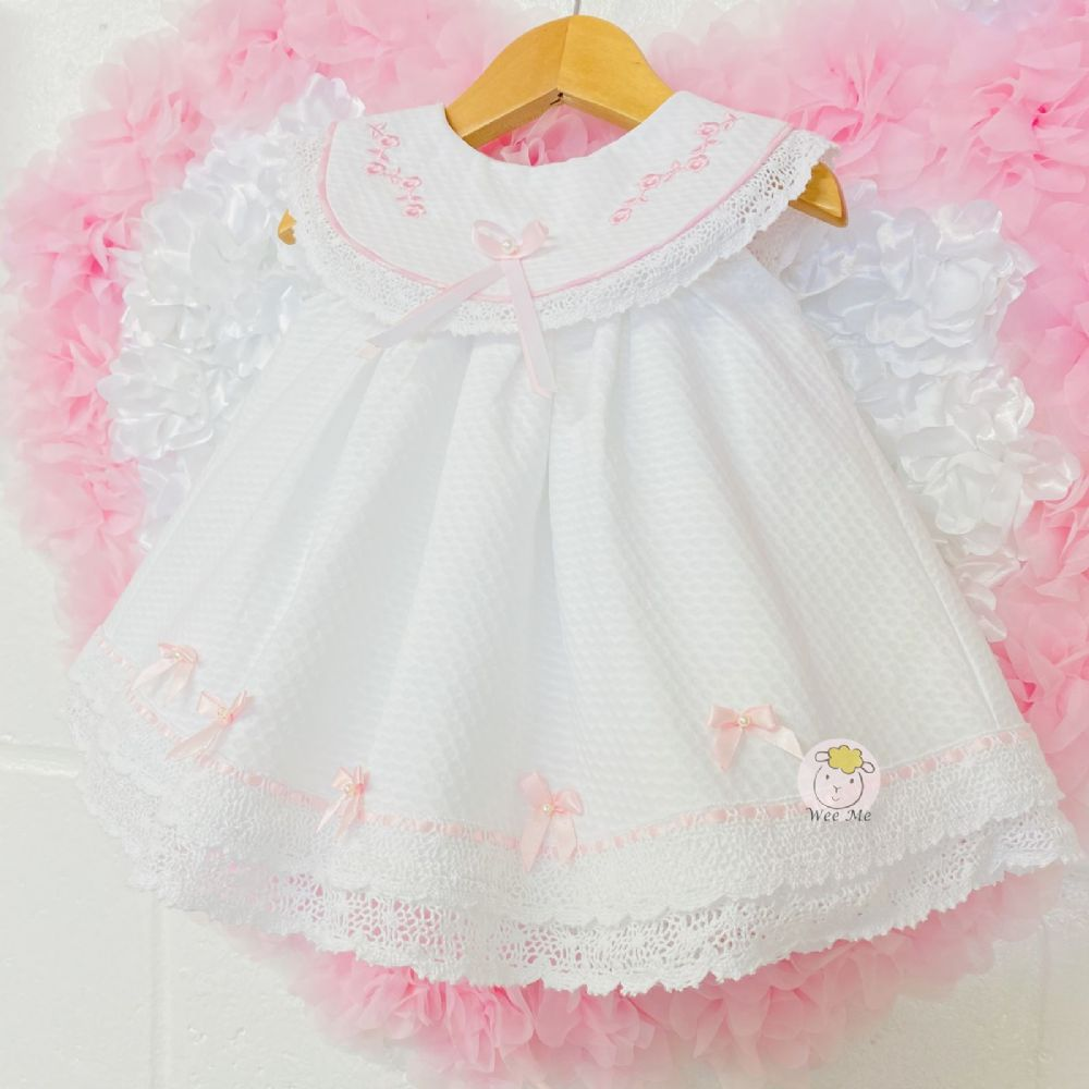 * Gorgeous Baby Girl White Spanish Dress Embroidery Big Collar Lace